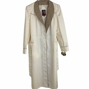 Vintage J. Gallery Coat White Tan Collar Trench